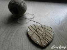 Happy Endings: DIY: Rustic Heart Porta Alianzas