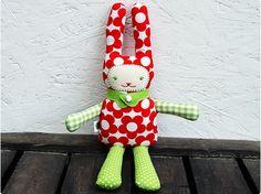 Artes da Chica!!!: Coelhinhos de Páscoa de tecido!!!