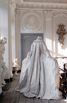 Paper construction by Isabelle de Borchgrave