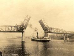 ap-4807-a2004-002-569-broadway-bridge-with-ship.jpg 1,800×1,380 pixels