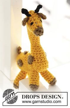 "Crochet DROPS giraffe in ""Safran"". ~ DROPS Design"