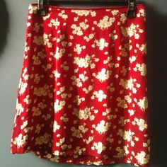 """Gap Skirt -Good condition -100% rayon -Side hidden zipper -18"""" in length - light, comfortable, no lining -Tag says size 8, but fits like a small GAP Skirts A-Line or Full"""