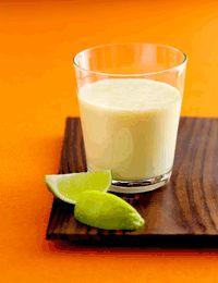 Vanilje-smoothie med mango, banan og lime
