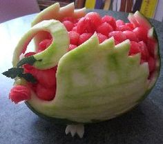 Fruit Carving by Anna Vikhlyayeva/picture only....Tremendous food decorations, extroidenaire on this site.