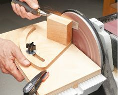 Ah! E se falando em madeira...: projeto: Woodsmith Tip - Disc Sander Sharpening Sy...