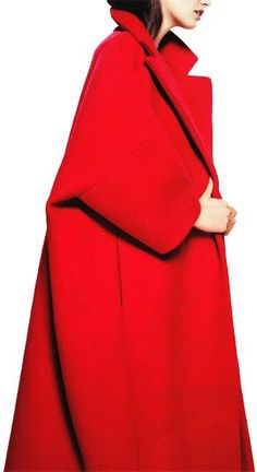 Mein Style, Warm Outfits, Black White Red, Mode Vintage, Minimal Fashion, Fashion Outfits, Womens Fashion, Lady In Red, Coats For Women
