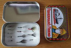 AFisherman's Friend tin with 12 various tenkara flies.  A very handy size tin for your flies. I've put together a good selection of various flies that have all proven themselves on t…
