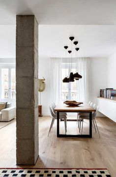 Interior Columns, Interior Design, Column Design, Country House Interior, Duplex, Design Studio, Design Your Home, Floor Rugs, Interior Inspiration