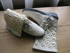 Crochet Shoes, Crochet Slippers, Fingerless Gloves, Arm Warmers, Adidas Sneakers, Footwear, Throw Pillows, Knitting, Fashion