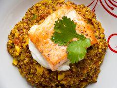 Risoto de Quinoa Thai com Castanha do Pará e Salmão Grelhado