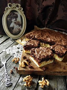 DIÓS - CSOKIHABOS PITE Sweet Cookies, Cake Cookies, Poppy Cake, Cookie Recipes, Dessert Recipes, Hungarian Recipes, Food And Drink, Sweets, Chocolate