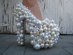 Pearl pumps, I love me some pearls but come on y'all!