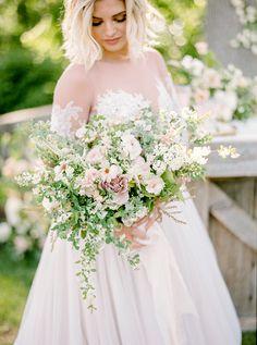 Greenery wedding bouquet: Photography: Emily Wren - http://emilywrenweddings.com/