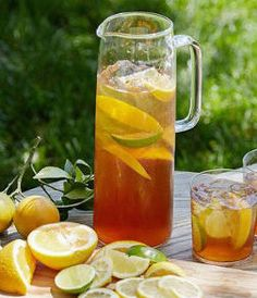 Enjoy your iced tea with a bit of a (bourbon) kick this Fourth of July. We promise its fabulous and fresh.