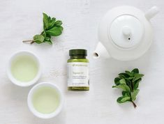 """Stay Younger Longer: Tegreen 97 has the same powerful antioxidants called polyphenols that are found in green tea ☕️ These antioxidants neutralize harmful free radicals and have a health-preserving and revitalizing power Luc, """"The Difference You'll Feel"""" Tegreen Capsules, Green Tea Capsules, Tegreen Nu Skin, Green Tea Pills, Frases Fitness, Kosmetik Shop, Green Tea Benefits, Antioxidant Vitamins, Green Tea Extract"""