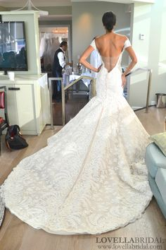 22-Ines-Di-Santo-wedding-dress-amazing-train.jpg (1000×1500)