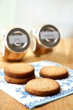 Nyírfacukorral és tönköly lszttel : Esős hétfőn süssünk süteményt :) Biscuits, Clean Eating, Muffin, Healthy Recipes, Healthy Food, Sweets, Cookies, Breakfast, Drink