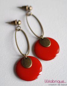 boucles d'oreilles sequin émaillé rouge et ovales : Boucles d'oreille par lilifabrique