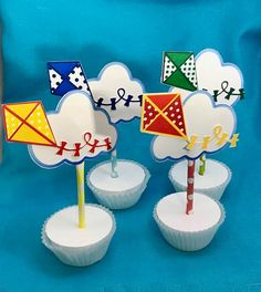 Cupcake topper kite/kite cupcake toppers set of 12 85th Birthday, Birthday Party Themes, Girl Birthday, Birthday Ideas, Kite Decoration, Boat Cake, Go Fly A Kite, Diy Party Supplies, 12 Cupcakes
