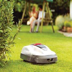 Robottileikkuri Honda Miimo 310 on täydellinen leikkuri jokaiselle, joka haluaa kotiinsa kauniin vihreän ja siistin nurmikon. Tilaa Hondan puutarhatuotteet Taloon.comista!