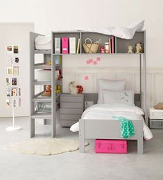 """I did not even notice the bunk bed on top! This looks great and """"no ladderlook"""""""