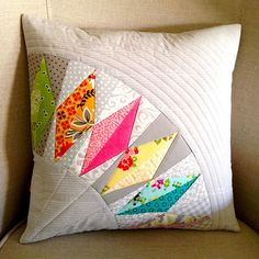 pillow cover made from (resized) Green Bee Diamond Ring Quilt Pattern