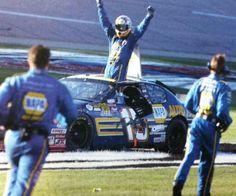 Mike in the box. Micheal Waltrip's big win at Talladega Michael Waltrip, Daytona 500, Nascar Racing, You Are The Father, 4 Life, Old School, Monster Trucks, Champion, Big