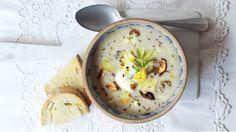 Tradiční polévku z Pojizeří a Podkrkonoší z kysaného chlebového těsta si můžete připravit i dnes. Kvásek bývá k dostání v některých pekárnách a na trzích. Ideální novoroční vyprošťovací polévka :)