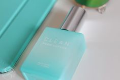 I smell 'CLEAN' Eau de Parfum❯ For all things beauty, fashion and travel visit smoonstyle.com, a beauty and lifestyle blog by Simone Simons.