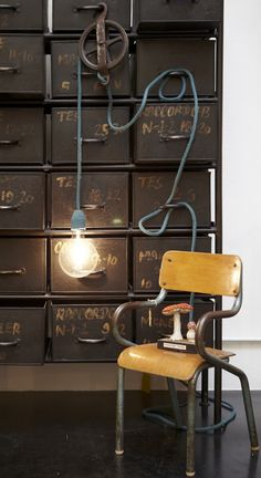 Désaccord, objets et autres curiosités en tissu: Installation chez Serendipity