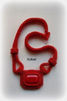 Szikati oldala: Csupa piros