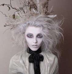 Looking for for ideas for your Halloween make-up? Browse around this website for scary Halloween makeup looks. Makeup Fx, Ghost Makeup, Hair Makeup, Doll Makeup, Eyeshadow Makeup, Yellow Eyeshadow, Sleek Makeup, Eyeshadow Palette, Makeup Trends