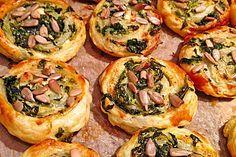 Blätterteig - Spinat - Schnecken, ein leckeres Rezept aus der Kategorie Fingerfood. Bewertungen: 217. Durchschnitt: Ø 4,3.