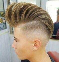 Haircut by juanmapeluka #showcasebarbers #ukmasterbarbers #barbersinctv #barbershopconnect #hairboymodel #hairstylesmenn #hairstylesformen #mensstyle #barberart #hairmenstyle #hairandeards #Málaga #internacionalbarbers #peinadoshombre #thebarberpos #officialbarberclub #hairstyles #solopeinados #menshairstyle