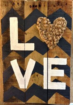 wood-pallet-sign-love
