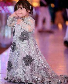 Pakistani Baby Girls Fancy Dresses For Birthday Party, Weddings Girls Fancy Dresses, Wedding Dresses For Kids, Frocks For Girls, Kids Frocks, Little Girl Dresses, Kids Gown, Pakistani Wedding Outfits, Ball Dresses, Baby Dress