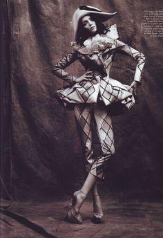 Dior John Galliano - 必应 图片