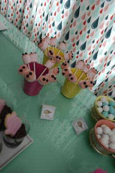 Marshmallow snout pops at Hattie Ham's 1st birthday party by Everybody's Invited! Events (Portland, OR). #party #pig #ham #pink #turquoise #yellow #pigparty #retro #vintage #quirky #bacon