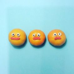 Charlotte Loveartist-brings-food-to-life-by-playfully Adding quirky faces to breakfast 早餐http://tummyfriend.com/artist-brings-breakfast-to-life/#breakfast# #tummyfriend# #art#