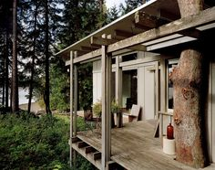 Modern home with Outdoor and Small Patio, Porch, Deck. Cabin at Longbranch Timber Cabin, Timber Roof, Ideas De Cabina, Forest Cabin, Forest House, Small Patio, Interior Exterior, Interior Design, Architecture Details