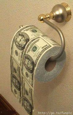 Hay gente tan, tan pobre que solo tienen dinero.....