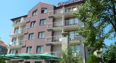 Hotel Favourite Obzor Located on a quiet street in Obzor, about 400 metres from the beach and close to the commercial area with a variety of entertainment facilities, Hotel Favourite offers comfortable and functionally furnished accommodation.