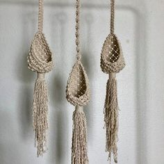 Plant Hanger Pods - All For Herbs And Plants Macrame Design, Macrame Art, Macrame Projects, Macrame Knots, Diy Plant Hanger, Macrame Patterns, Etsy, Knitting, Indoor Outdoor