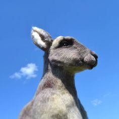 Привет, друзья 🤗! Хорошо на воле, кто заказывал вид спереди? 😉 Сваляна из 100% шерсти @kardochesnk ❤️ . В работе использовано 7 оттенков.… Animals, Animales, Animaux, Animal, Animais