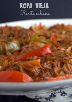 Ropa Vieja / Old Clothes Yummy Recipes, Meat Recipes, Mexican Food Recipes, Cooking Recipes, Healthy Recipes, Comida Latina, Boricua Recipes, Cuban Dishes, Cuban Cuisine