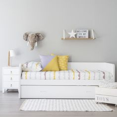 Home Decoration Ideas and Design Architecture. DIY and Crafts for your home renovation projects. Ikea Bedroom, Girls Bedroom, Bedroom Decor, Sibling Room, House Decoration Items, Cama Ikea, Childrens Beds, Banquette, Fashion Room