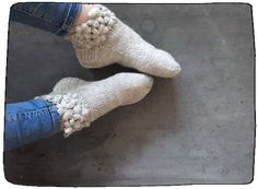 Socks with puff stitch flowers