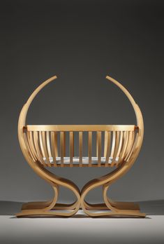 """Mia"" - childs cradle in Ash. Funky Furniture, Baby Furniture, Unique Furniture, Furniture Plans, Wood Furniture, Furniture Design, Muebles Estilo Art Nouveau, Baby Cradle Wooden, Modern Crib"