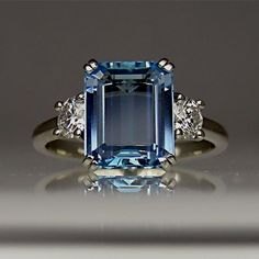Beautiful Jewelry Beautiful Sapphire Engagement Ring-I want something like this for an engagement ring when God decides to send my husband :) I Love Jewelry, Jewelry Box, Vintage Jewelry, Fine Jewelry, Jewelry Design, Jewelry Stores, Jewelry Gifts, Leather Jewelry, Pandora Jewelry