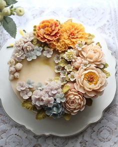 Gorgeous Cakes, Pretty Cakes, Cute Cakes, Amazing Cakes, Korean Buttercream Flower, Buttercream Flower Cake, Flower Cake Design, Floral Cake, Sugar Flowers